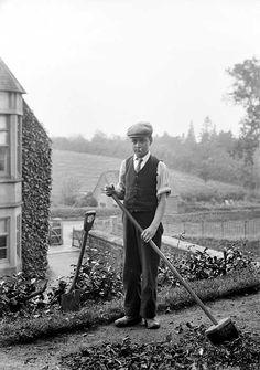 Gardener, Hellidon Grange, Northamptonshire