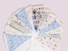 This lovely seaside themed bunting with the gorgeous Makower Beachcomber fabric range. It measures approx 3m long and each flag is lined. Perfect for the garden, kitchen and even the beach hut!