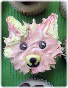 Pomeranian cupcake, pippys birthday is on Monday so this is how I'll decorate her cake.lmao