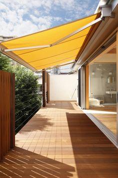 Yamada House ~自然素材の空感浴~|のびやかな大空間が心地よい、内と外をつなぐバルコニーのある住まい(東京都…