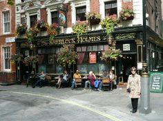 London Pub Picture - Get a .Pub domain name for your London Pub