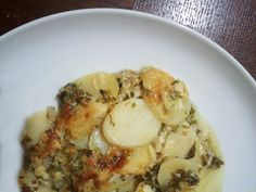 Potato gratin with onions and sour cream