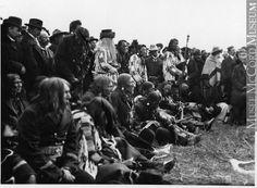 Royal Tour: Indians facing the Royal tent, Shagannapi Point, near Calgary, AB, 1901 Photograph William McFarlane Notman. Черноногие??
