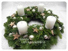 Christmas Advent Wreath, Xmas Wreaths, Christmas Mood, Christmas Decorations, Table Decorations, Holiday Decor, Candle Arrangements, Advent Candles, Home Decor