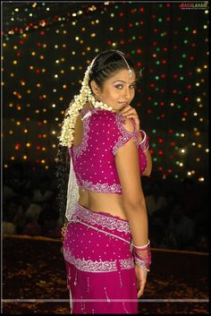Hot Actresses, Beautiful Actresses, Indian Actresses, Sneha Actress, Lakshmi Menon, Kurti Sleeves Design, Aunty In Saree, Girl Couple, Pink Saree