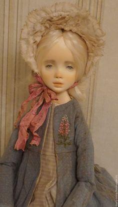 Купить или заказать Люси.Коллекционная авторская кукла в интернет магазине на Ярмарке Мастеров. С доставкой по России и СНГ. Материалы: волосы натуральные, кожа натуральная,…. Размер: 38 см.., сидя 23 см