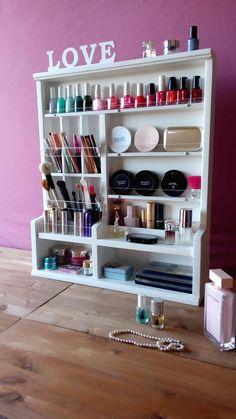 Make up organizer. Maquillage KOSTENLOSER Versand / Make-up Veranstalter. Makeup Storage Bedroom, Makeup Storage Shelves, Wall Storage, Makeup Organization, Freezer Organization, Make Up Organizer, Make Up Storage, Diy Storage, Storage Cart
