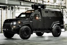 Halifax police taking delivery of Canadian armored truck in 2020 Army Vehicles, Armored Vehicles, Thermal Imaging Camera, Armored Truck, Bug Out Vehicle, Expedition Vehicle, Futuristic Cars, Luxury Suv, Emergency Vehicles