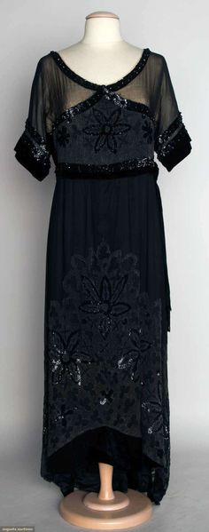 Black Velvet Evening Gown, C. 1912, Augusta Auctions, November 13, 2013 - NYC
