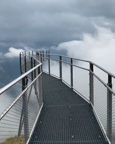 Walking on clouds☁️ By 📍First Cliff Walk by Tissot, Grindelwald, Switzerland Beautiful Places To Travel, Best Places To Travel, Vacation Places, Places To See, Wonderful Places, Grindelwald Switzerland, Destination Voyage, Travel Videos, Travel Essentials