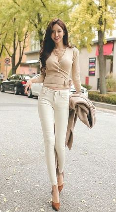 Beautiful Asian Women, Beautiful Models, Fashion Models, Fashion Outfits, Womens Fashion, South Korea Fashion, Really Pretty Girl, Cute Asian Girls, Sexy Jeans