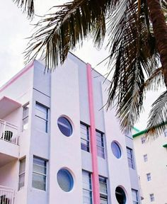 💕 Thankful to call this place home South Beach, Miami Beach, Ocean Drive, Resort Wear, Summertime, Art Deco, Florida, Places, Instagram