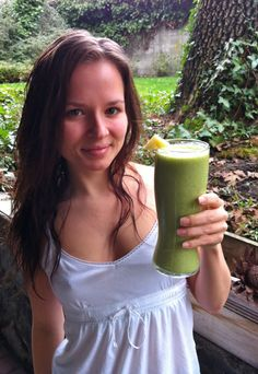 ‎*Cold and Flu Relief* Pineapple Kale Coconut Smoothie