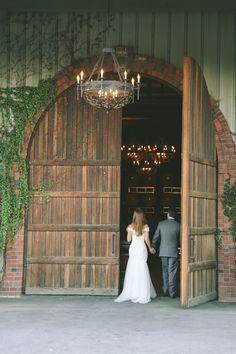 Léal Vineyards   Wedding   Photo by Apollo Fotografie