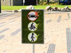Op het plein bij de kerk staan wel eens auto's geparkeerd. De gemeente Borger-Odoorn krijgt er af en toe meldingen over binnen. Uiteraard nemen ze deze meldingen ter harte. Want het is niet de bedoeling dat het plein als parkeerplaats wordt gebruikt volgens de gemeente.  Lees verder op onze website.