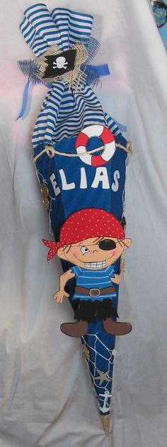 _Bitte den Text vor dem Kauf lesen um so Unstimmigkeiten zu vermeiden_  *Diese Piratenschultüte wird in 70 cm zzgl. Krepp ca. 30 cm, Gesamthöhe ca. 100 cm (*Wellpappe*) angeboten.  Die...