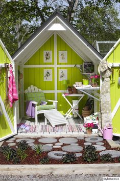 puutarha,puutarhavaja,värikäs,oleskelutila,oleskelupaikka,kodikas,rentoutuminen,viherpiha