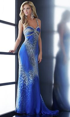 @Sydney Cunningham would you wear this to #prom?. (: