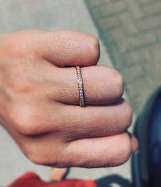Jonc semi-éternité en or rose avec diamants Eternity Bands, Or Rose, Jewelry, Bangle Bracelet, Jewlery, Jewerly, Schmuck, Jewels, Jewelery