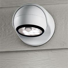 Wireless Motion-Detecting Light Instant safety and security—floodlight has a built-in motion sensor.