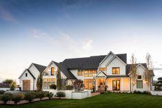 Dream House Exterior, Dream House Plans, Dream Houses, House Exteriors, Plans Architecture, Architecture Design, Modern Farmhouse Exterior, Urban Farmhouse Designs, Farmhouse Layout