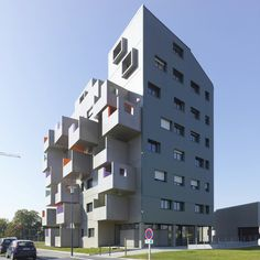 Extreme Housing in La Courrouze by Philippe Gazeau