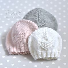 Knit this precious 4 Ply preemie and newborn baby hat to keep little ones warm. This little moss stitch heart preemie hat is very easy and very quick to knit. Perfect for a new knitter. Baby Hat Knitting Patterns Free, Baby Hat Patterns, Baby Hats Knitting, Knitted Hats, Knitted Hat Patterns, Newborn Knit Hat, Newborn Hats, Baby Hut, Easy Knitting Projects