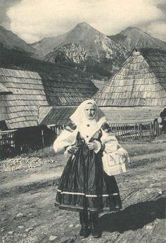"leregretdestempspasses: ""Ždiar, Slovakia date unknown "" Roman Artifacts, Old Portraits, Heart Of Europe, Bratislava, Historical Pictures, Vintage Photographs, Czech Republic, Folk Art, Art Photography"