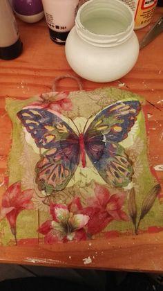 Servet op vlinder lijstje geplakt. Zie andere foto voor eind resultaat.
