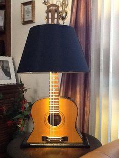 Guitar Lamp - for the man room or music room Repurposed Furniture, Diy Furniture, Vintage Furniture, Diy Design, Interior Design, Interior Ideas, Guitar Art, Guitar Crafts, Acoustic Guitar