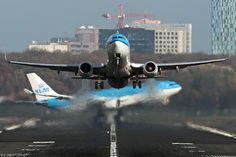 ღღ Awsome pic!!!! PH-BXB and PH-AOB dual take off from EHAM Schiphol Airport (Amsterdam/Netherlands)