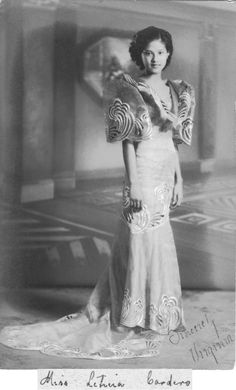 Portrait of miss Cardeno, Philippines, с 1940  |  via:  Semioticapocolypse.tumblr.com
