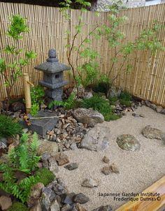 frederique dumas www. www.- frederique dumas www.japanese-gard… www. Japanese Garden Backyard, Japanese Garden Landscape, Small Japanese Garden, Japan Garden, Japanese Garden Design, Japanese Gardens, Japanese Patio Ideas, Modern Backyard, Jardin Zen Interior
