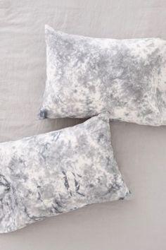 Magical Thinking Miura Soft Dye Pillowcase Set - Urban Outfitters