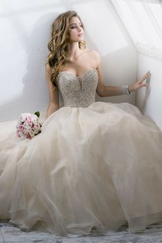 Princess tulle wedding dress - My wedding ideas