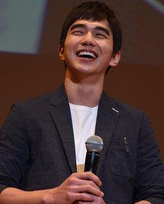 [Official] 160424 Yoo Seung Ho fanmeeting in Osaka . © A•R•A // don't edit or remove watermark . #YooSeungHo #유승호 #ユスンホ #俞承豪 #yoopies #YSH #YSHbiased
