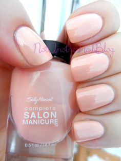 sally hansen, Royal Blush, is a peach color with a hint of pink undertone #nail polish / lacquer / vernis / swatch