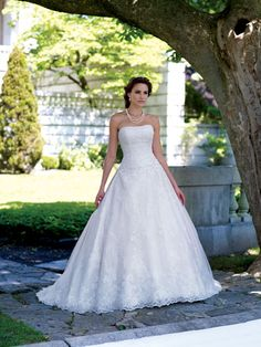 BallGown Strapless Tulle Satin Floor-length White Appliques Wedding Dresses at Millybridal.com
