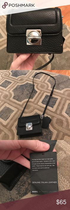 Marc jacobs over shoulder bag Super cute black leather Marc Jacobs bag! Marc Jacobs Bags Shoulder Bags