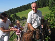 Gönnen Sie sich doch eine Auszeit - ab in den Kurzurlaub! Genießen Sie mit Ihrer Familie die herrliche Natur der Oststeiermark, freuen Sie sich über 120 Ausflugsmöglichkeiten und lassen Sie sich im Landhotel Berger verwöhnen. Ein Paradies für Kinder mit Kinderprogramm, Spielplatz, Streichelzoo uvw. 3 Nächte bereits ab € 177,- p.P. Mehr Informationen: http://www.landhotel-berger.at/de/angebot-a-preise/pauschalangebote-familienhotel-steiermark/87-familie/117-kurzurlaub-im-familienhotel.html