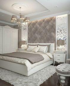 т a y a n n ♡ белая мягкая кровать в спальне в классическом стиле с зеркальными панелями на стене.