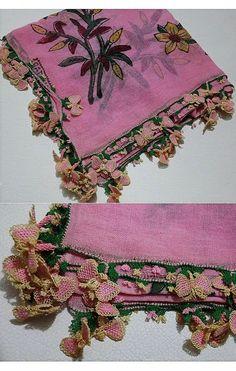 A traditional 'oyalı yazma' - (printed cotton) headscarf edged with Turkish lace (in silk). From Kozak Yaylası, near Bergama. Design of the 'oya': 'kelebek' (butterfly), ca. 1950-1975. (Source: Tekin Uludoğan, Balıkesir).