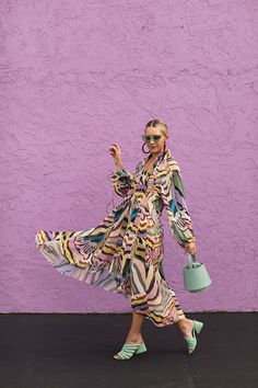 H&M STUDIO DRESS // RAINBOW ZEBRA : Blair Eadie wearing a rainbow zebra dress with mint accessories and green sunglasses // Click through to see the full outfit details on Atlantic-Pacific Summer Weekend Outfit, Rainbow Zebra, Blair Eadie, Atlantic Pacific, Album Design, Insta Look, Mode Hijab, Spring Shoes, Casual Look