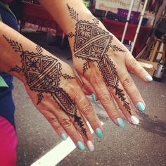 Thursday Night Market downtown Chico, California with Henna Trails