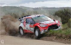 WRC PARKING ONLY WRC Rally Portugal 2016 Nachdem Stephane Levebvre noch einige Km mit gebrochener Radaufhängung gefahren war, hat er hier seinen Citroen Ds3 WRC (direkt vor dem VIP Zelt von Hyundai) geparkt Rally Rallyesport Christo Crash Unfall Total Best of rally Limit Grenzbereich
