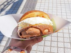 金沢発祥の大人気ストリードフード「焼きたてメロンパンアイス」
