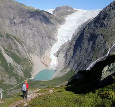 Briksdal Glacier, part of the Jostedal Glacier, Norway. As you see, Norwegians and Sweddes like hiking (native: TUR).  THE WORLD GEOGRAPHY: 11 Magnificent Wonders of the Ice World