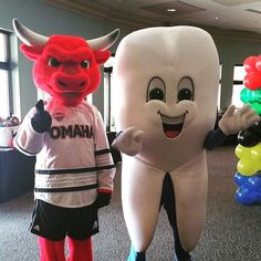 Pearl's buddy Durango will be at our selfie station this Saturday at the @unomaha v Vermont hockey game. Stop by say hi and have your picture taken with two of the coolest mascots around!  Summit Dental Health is proud to be the official dentist of the @omavs!  #gomavs #unohockey #omaha