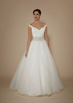 new-phil-collins-collection-packed-with-on-trend-bridal-details-PC3402-philcollins-hires-2015