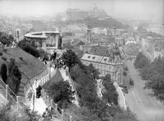 Ilyen is volt Budapest - Tabán Old Pictures, Old Photos, Vintage Photos, History Photos, Budapest Hungary, Historical Photos, Tao, Paris Skyline, Beautiful Places